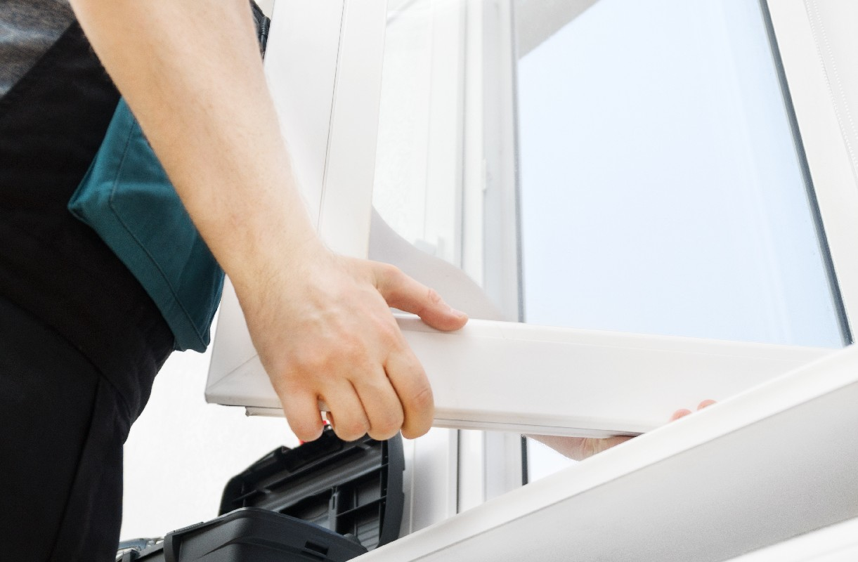 R.T.R Rehoboth Total Rénovation travaille sur la pose de fenêtres en bois, en PVC ou en alu